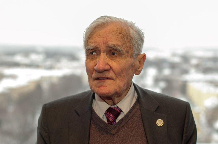 Geriausiųjų 2012 m. sportininkų ir žurnalistų apdovanojimai – sporto istorikas Vytautas Gudelis