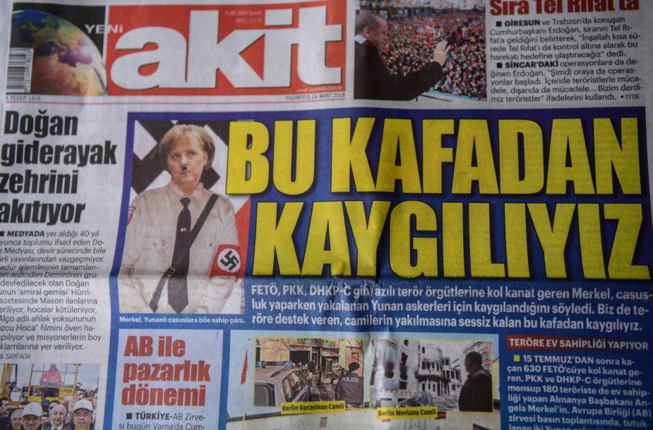Turkijos dienraštis Vokietijos lyderę A.Merkel pavaizdavo panašią į A.Hitlerį