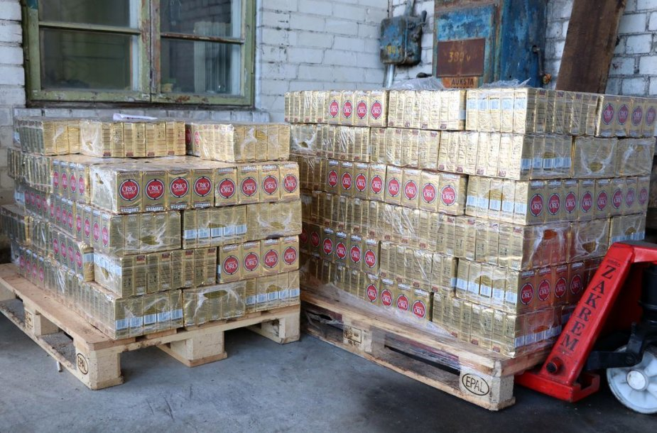 """""""Maisto bankui"""" perduota daugiau nei 2 tūkstančiai pakelių kavos"""