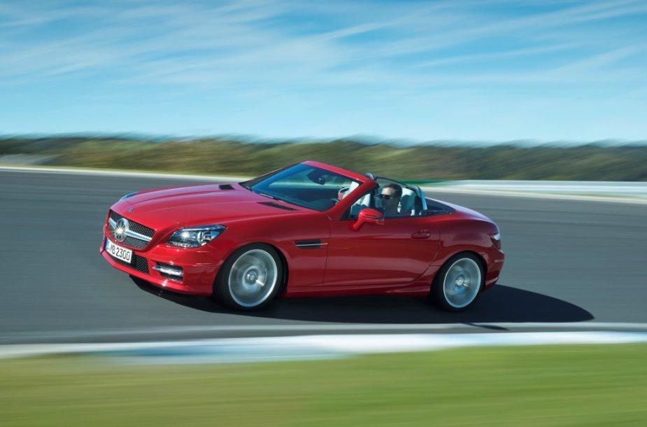 "Naujasis ""Mercedes-Benz"" SLK"