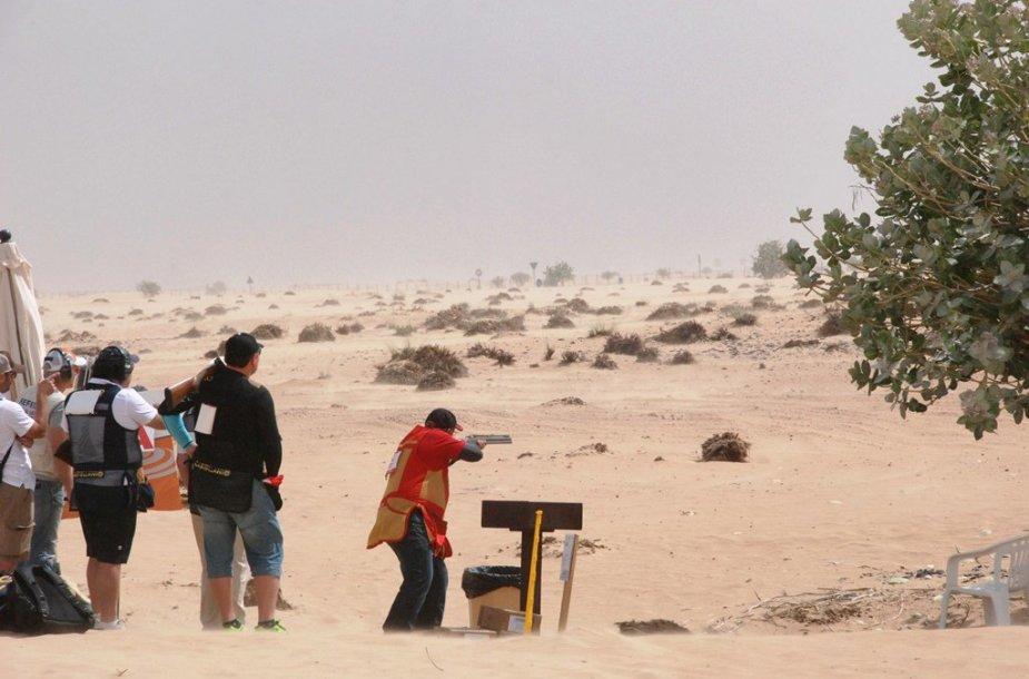 Lietuvos šauliai grįžo iš brangiausio pasaulyje dykumų šaudymo čempionato Dubajuje