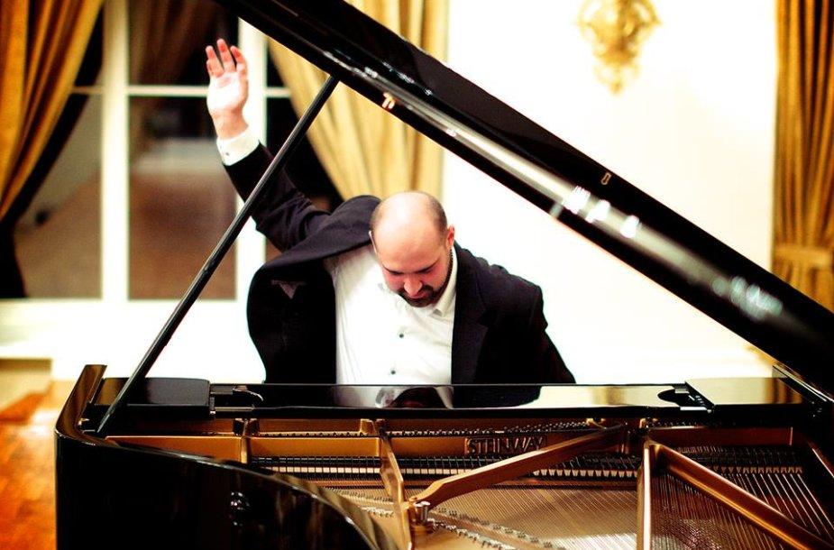 Lietuvių pianistas Justas Šervenikas