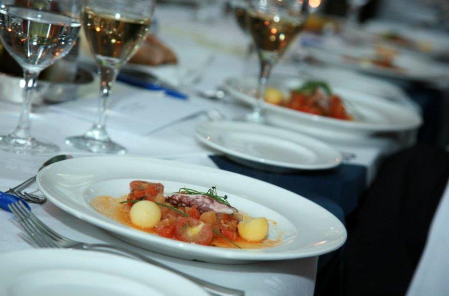 """""""Neringos"""" restoranas švenčia 54-ąjį gimtadienį"""