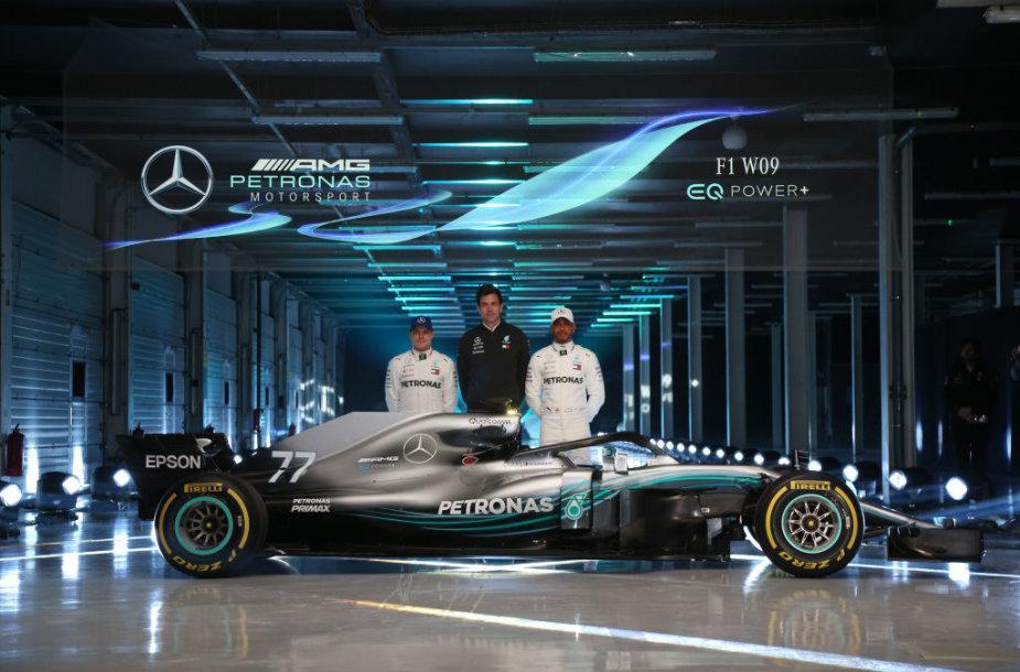 """""""Mercedes-AMG"""" komanda pristatė naują F1 bolidą"""