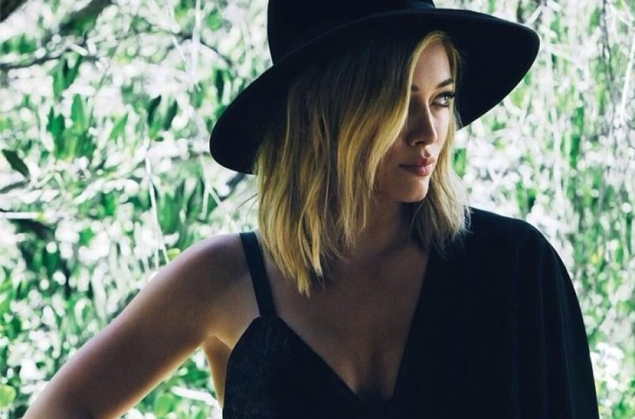 "Hilary Duff singlo ""All About You"" viršelis"