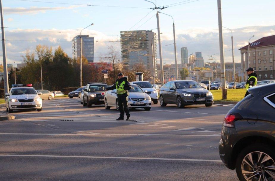 Edukologijos žiede eismo judėjimu rūpinasi policija