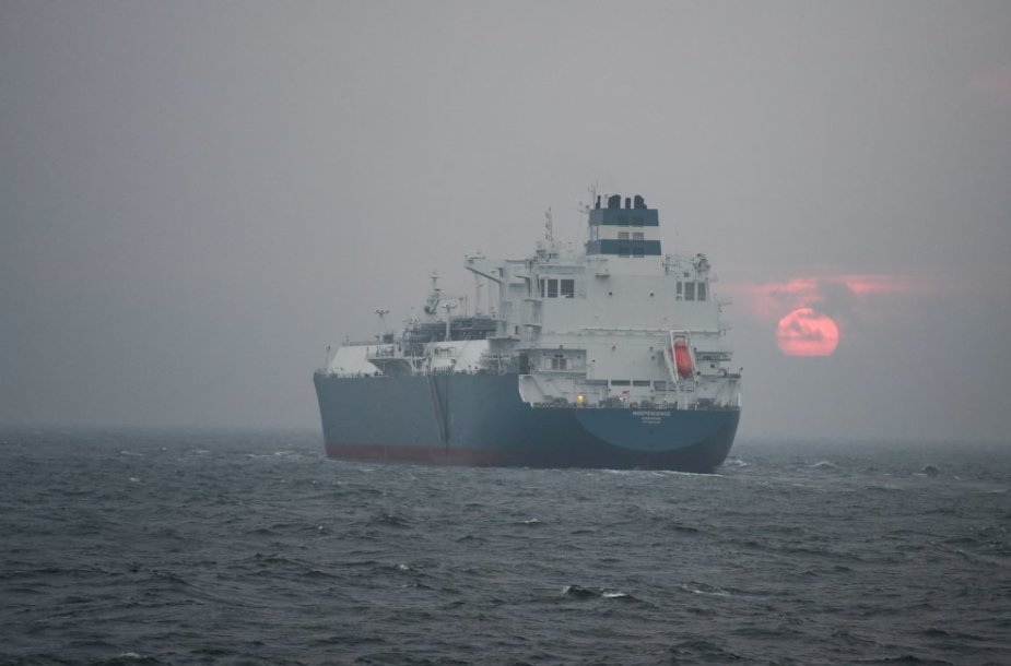 """Suskystintųjų gamtinių dujų terminalas - laivas """"Independence"""" atplaukė į Lietuvą."""