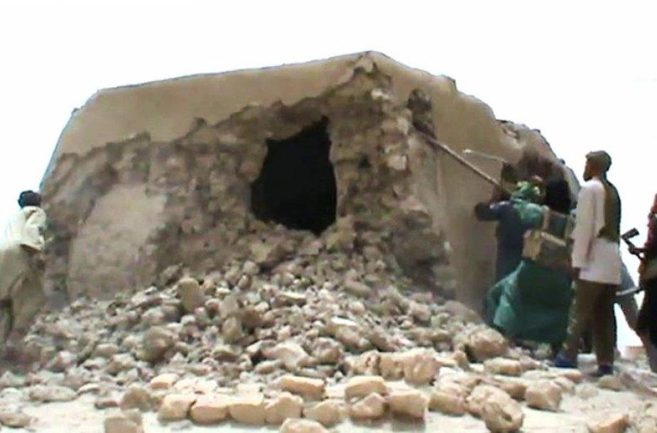 Malio islamistai griauna istorinio paveldo paminklus Timbuktu mieste.