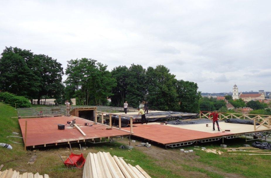 Neteisėtos lauko kavinės statybos Subačiaus g. Vilniuje