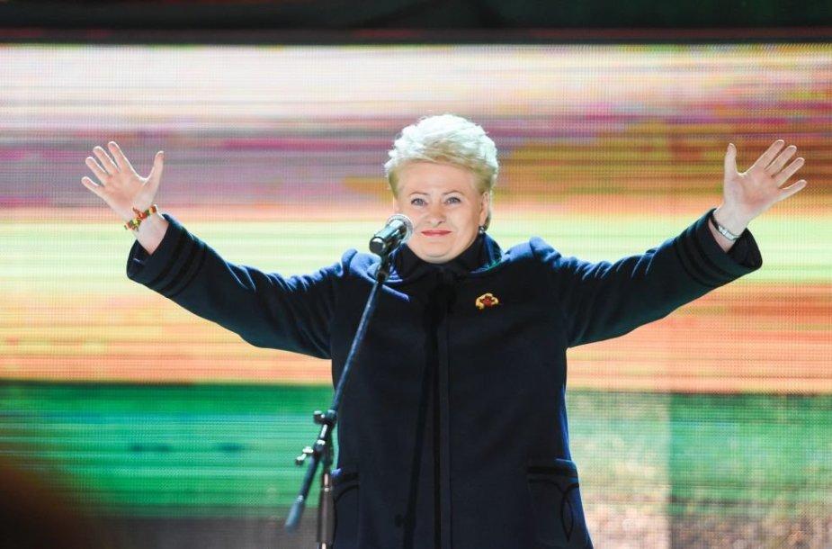 2015-03-11 Dalia Grybauskaitė koncerte Lietuvos Nepriklausomybės atkūrimo dienos 25-mečiui paminėti Katedros aikštėje