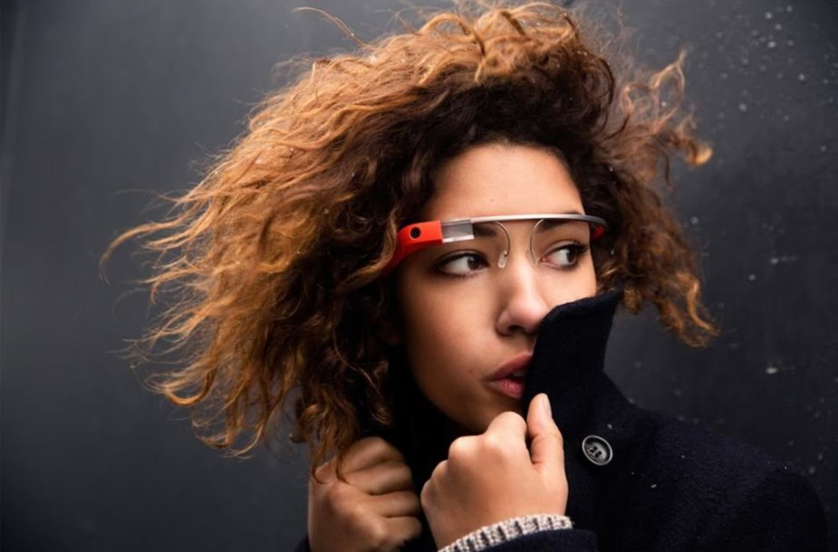 """Papildytosios realybės akiniai """"Google Glass"""""""