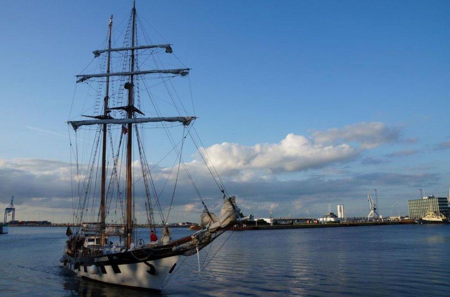 """Burlaivis """"Brabander"""" nuo sekmadienio dalyvauja vienoje didžiausių regatų """"The Tall Ships Races""""."""