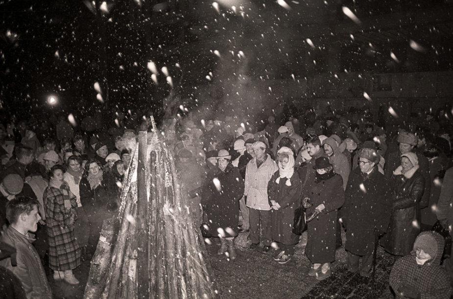 Laužai 1991-ųjų sausio 13-osios išvakarėse