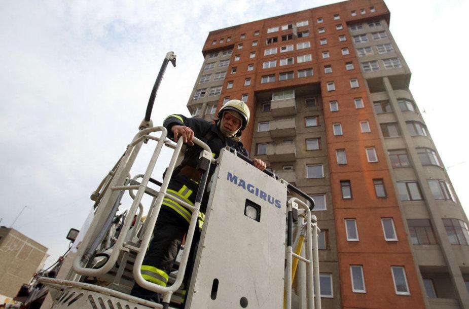 Ugniagesių gelbėtojų pratybos