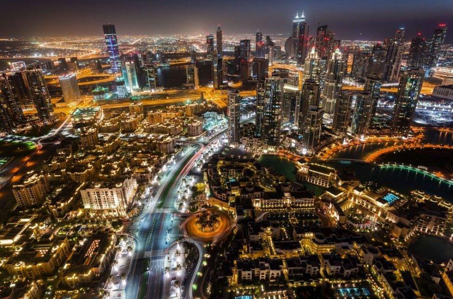 Dubajus naktį