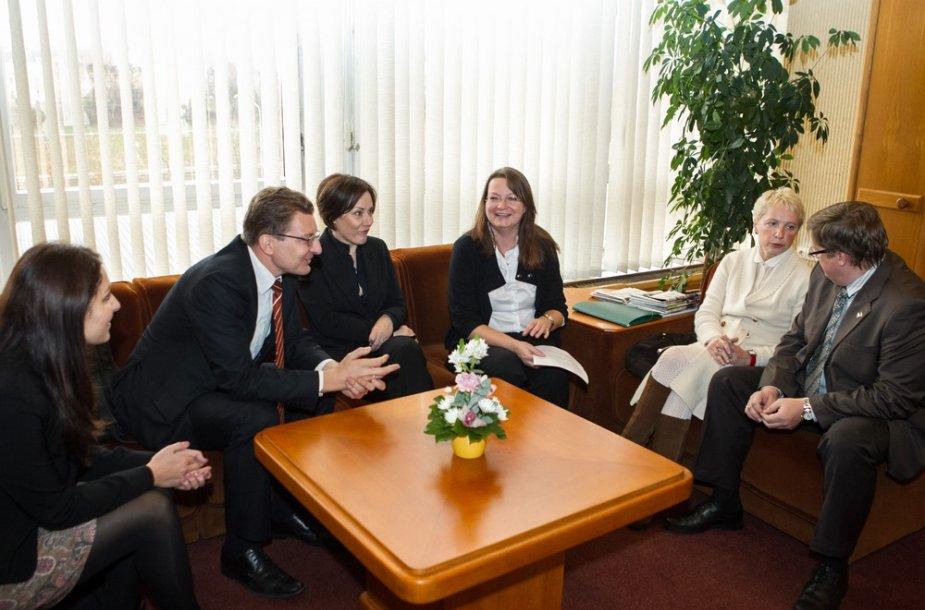Žurnalistai susitikime su Seimo pirmininke Loreta Graužiniene