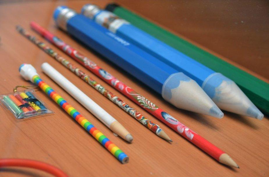VGTU mokslininkas kolekcionuoja įdomiausius pasaulio pieštukus