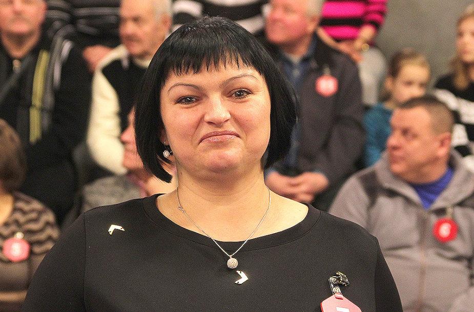 """Visureigį """"Dacia Duster"""" laimėjo verslininkė Daiva Kazlauskienė iš Alytaus."""