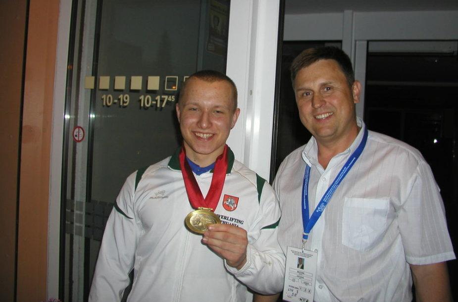 Pasaulio čempionas Klaudijus Malevskis su treneriu Artūru Mačioniu