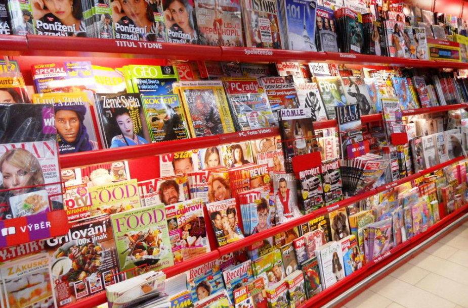 Visame pasaulyje vis labiau traukiantis spaudos reklamos rinkai, vienas po kito uždarinėjami laikraščiai ir žurnalai