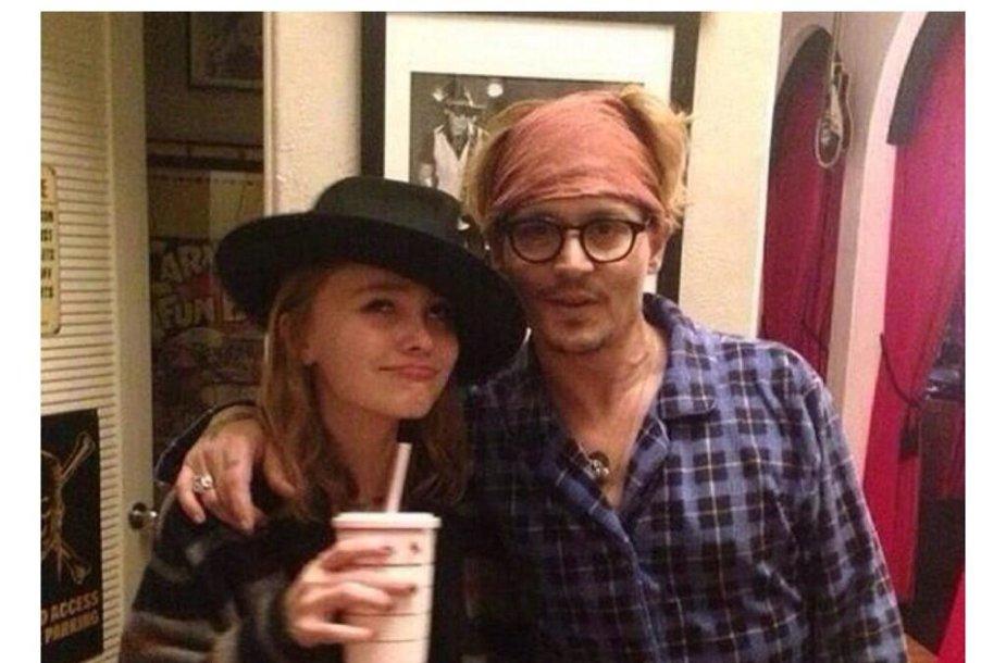 Johnny Deppas su dukra Lily Rose
