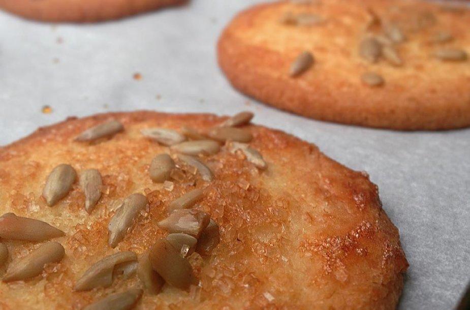 Sviestiniai sausainiai prie kavos