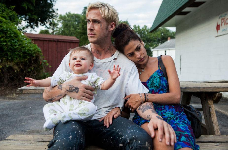 """Ryanas Goslingas ir Eva Mendes filme """"Niujorko šešėlyje"""""""
