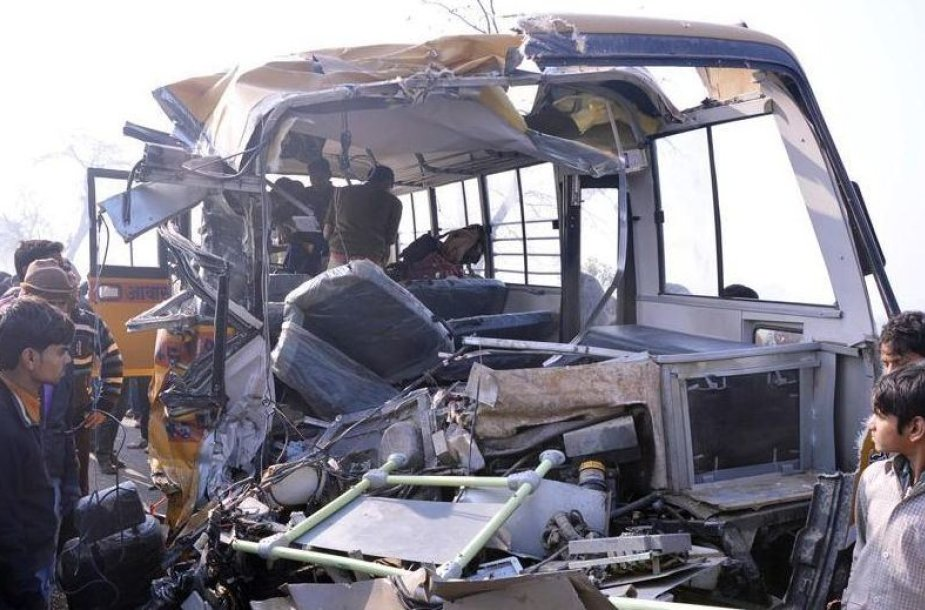 Per avariją žuvo 14 žmonių