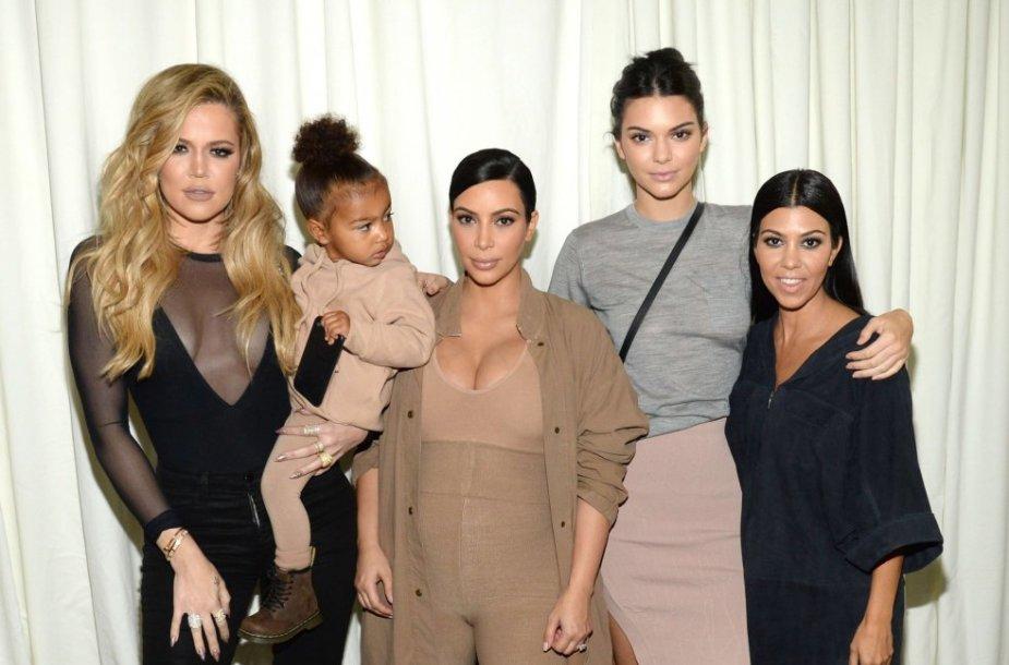 Khloe Kardashian su North, Kim Kardashian, Kendall Jenner ir Kourtney Kardashian