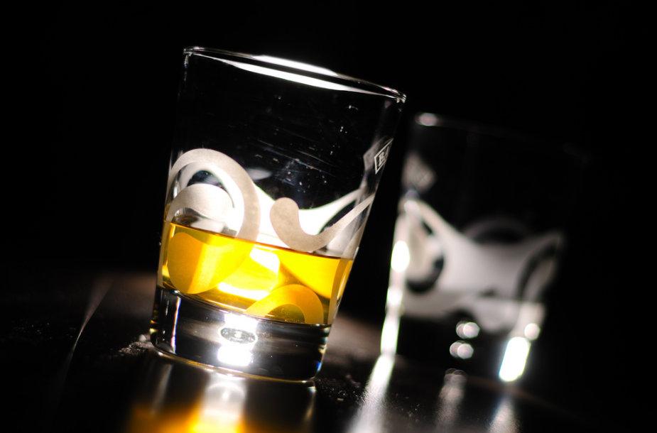 Alkoholis labai kenkia kepenims