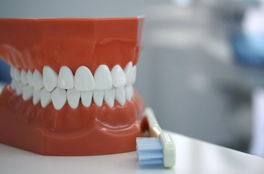 Sveikatos problemas parodo ir dantys