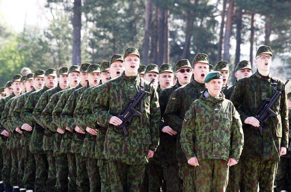Lietuvos Respublikai prisiekė apie 540 nuolatinės privalomosios pradinės karo tarnybos karių