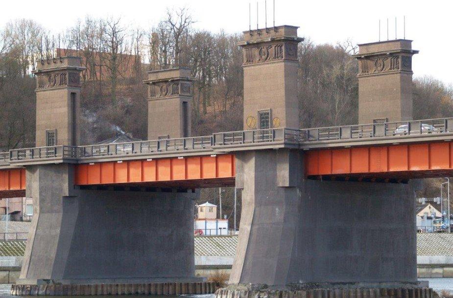 """Kauno meras A. Kupčinskas: """"Sovietinė simbolika nuo Vytauto Didžiojo tilto bus išrauta su šaknimis"""""""