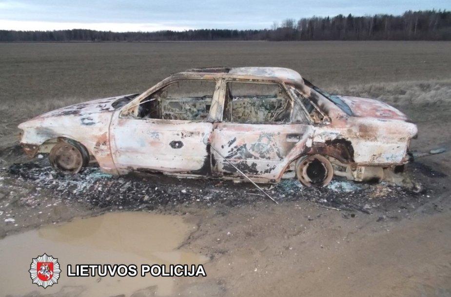 Sudegintas pavogtas automobilis