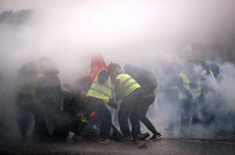 """""""Geltonųjų liemenių"""" protestuotojai"""