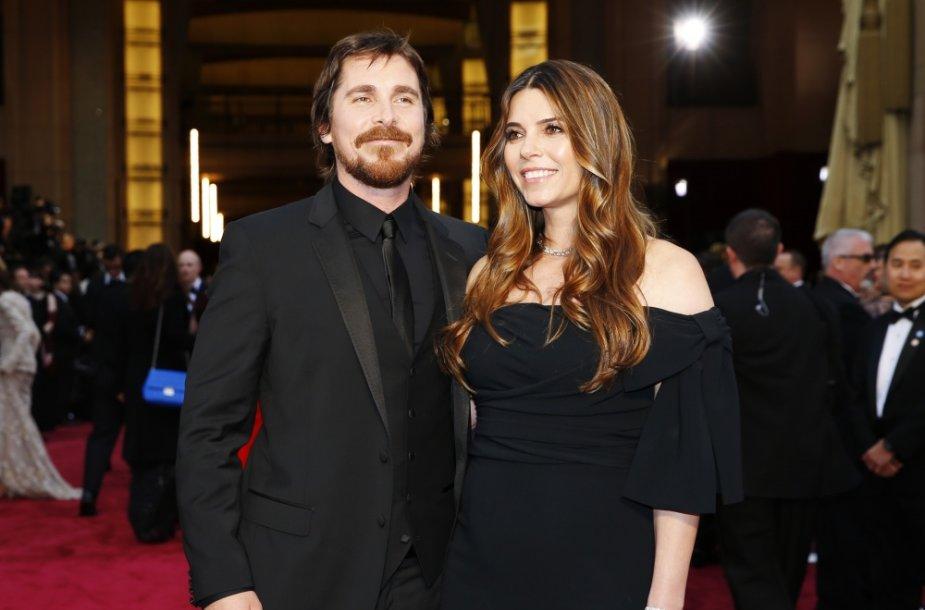 Nominantas Christianas Bale'as su žmona Sibi Blazic