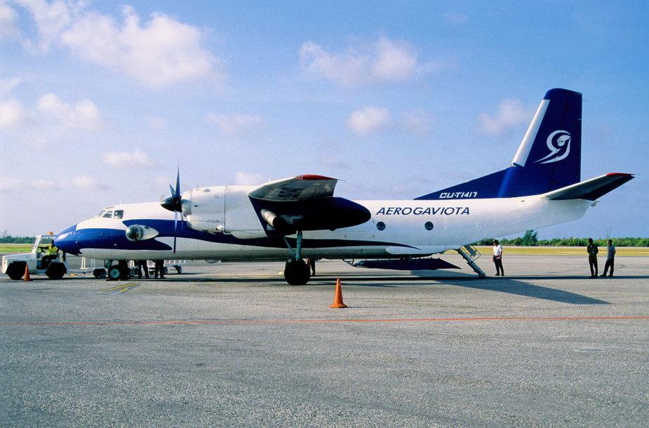 """Aviakompanijos """"Aerogaviota"""" lėktuvas An-26"""