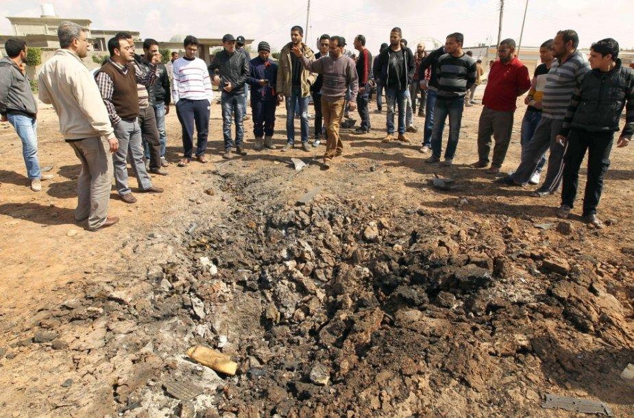 Libijos Bengazio mieste sprogus užminuotam automobiliui žuvo 5 žmonės