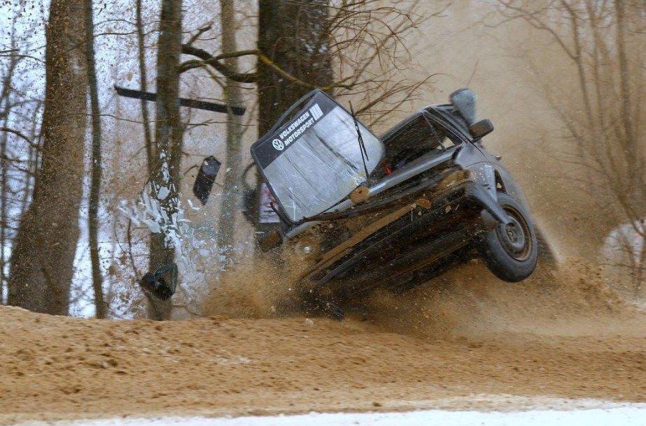"""""""VW Golf"""" kūlvirstis žiemos treke """"Aukštaitijos taurė 2016"""""""