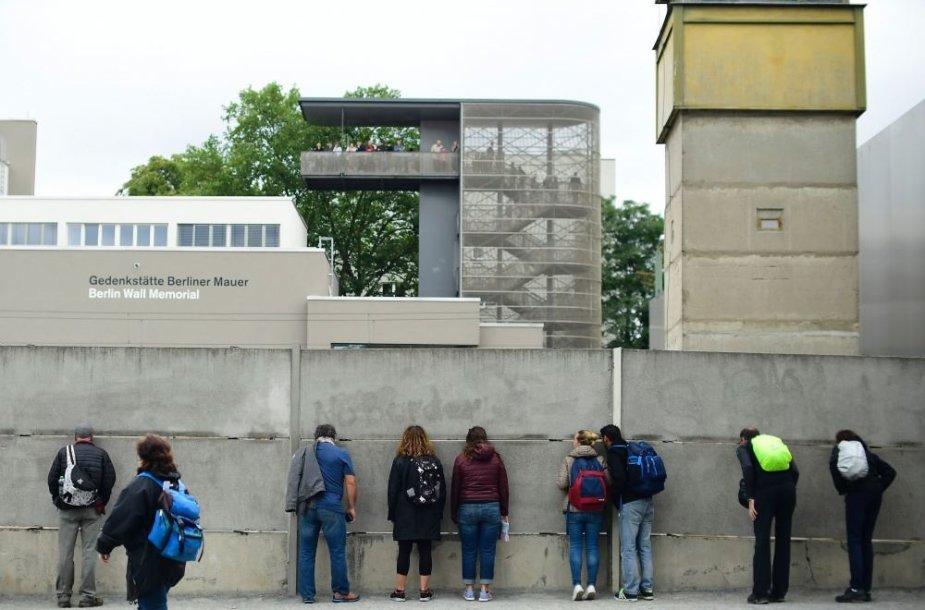 Berlyno sienos memorialas