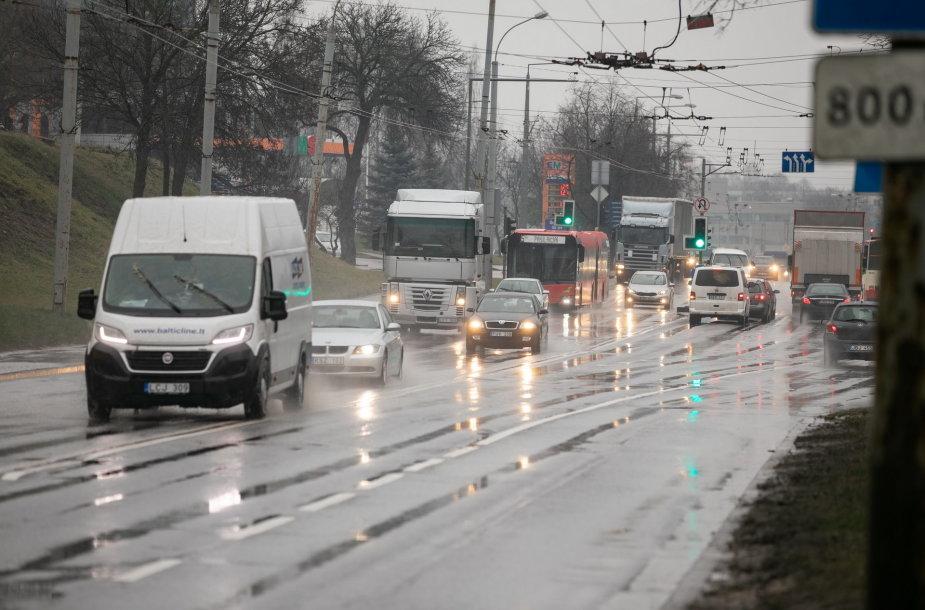 Nuo vasario 22 dienos – laikini eismo pokyčiai sostinės Verkių gatvėje