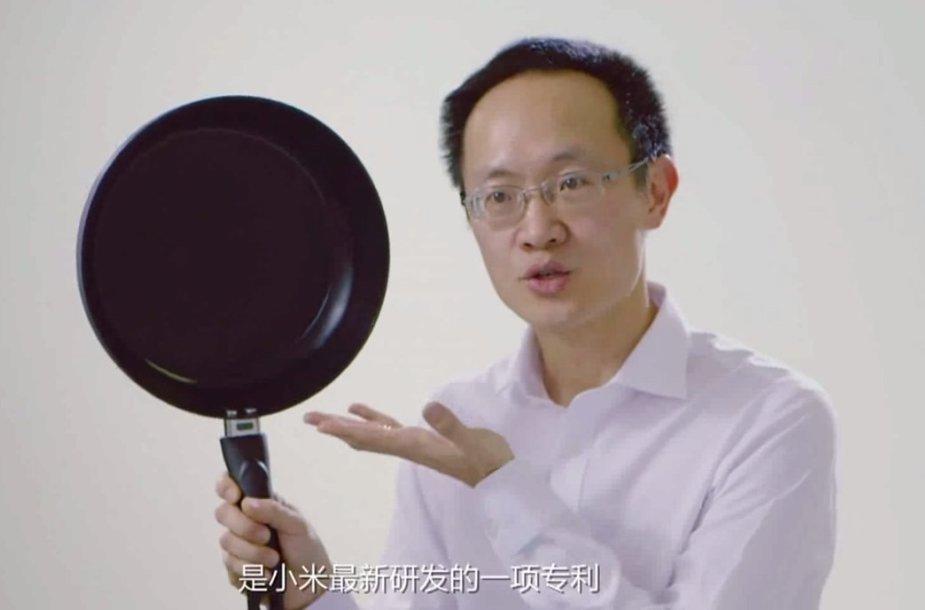 """""""Xiaomi"""" reklamoje pašiepia """"iPhone 6 Plus"""""""
