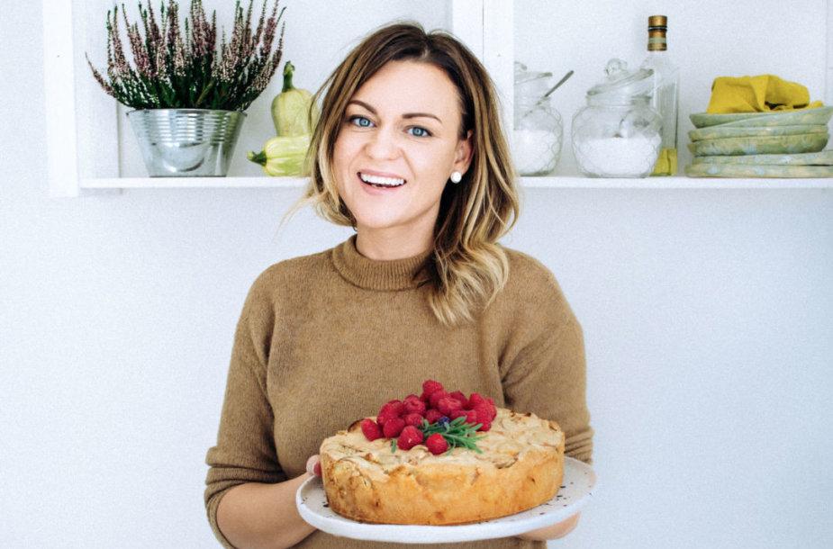 Aurelija, obuolių pyragas