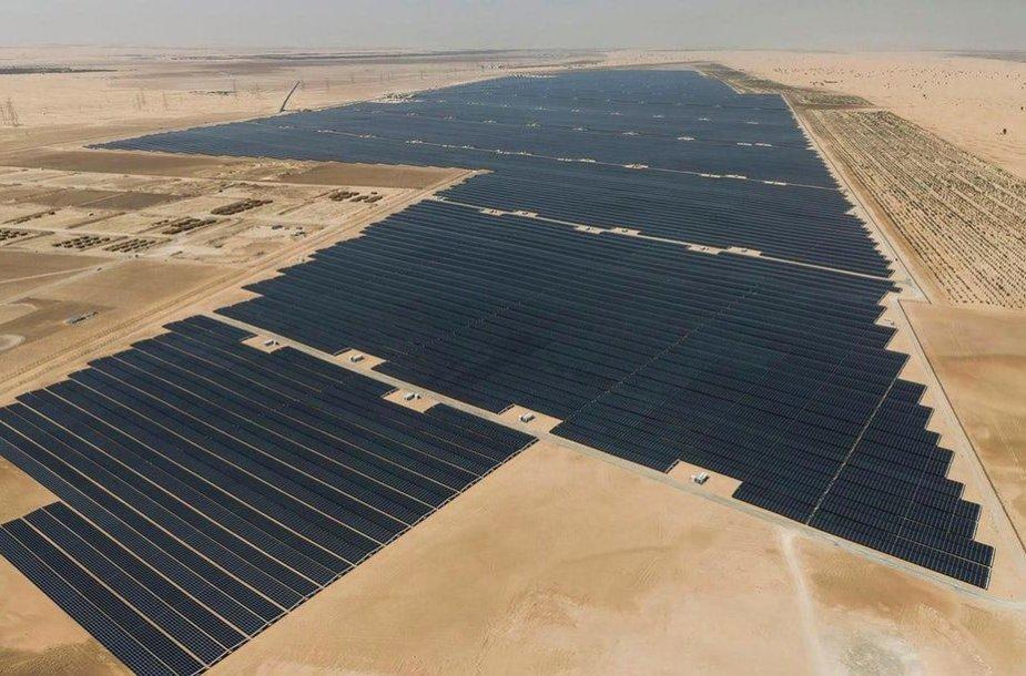 """Didžiausias pasaulyje Saulės jėgainių parkas """"Noor Abu Dhabi"""""""