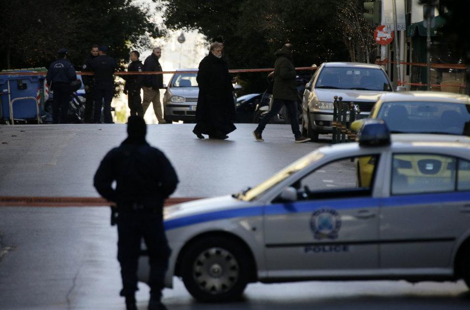 Atėnuose prie bažnyčios driokstelėjus sprogimui sužeistas policininkas