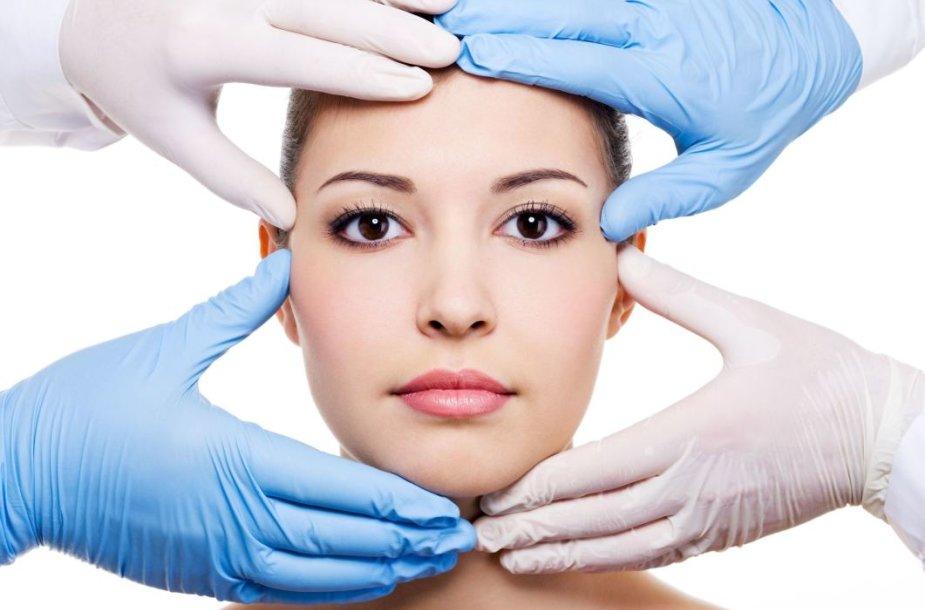 Stereotipas, kad plastines operacijas darosi tik gražios moterys