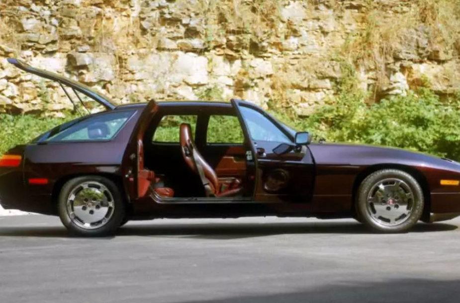 Papildomos durelės gale palengvino patekimą ant galinės sėdynės, o ir pats automobilis buvo gerokai ilgesnis nei standartinis 928