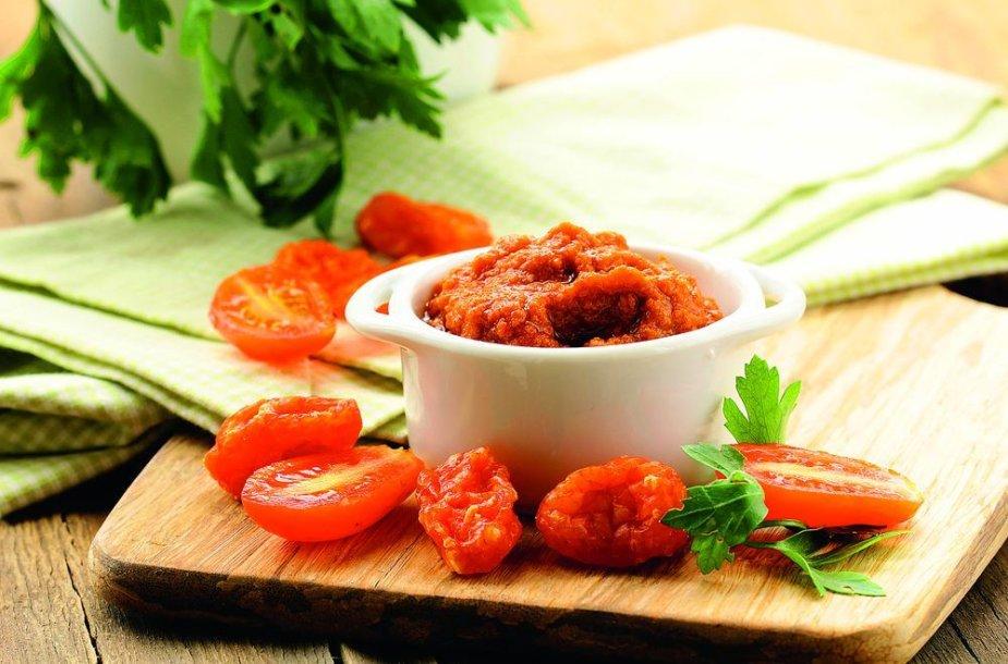 Varškės ir pomidorų užtepėlė