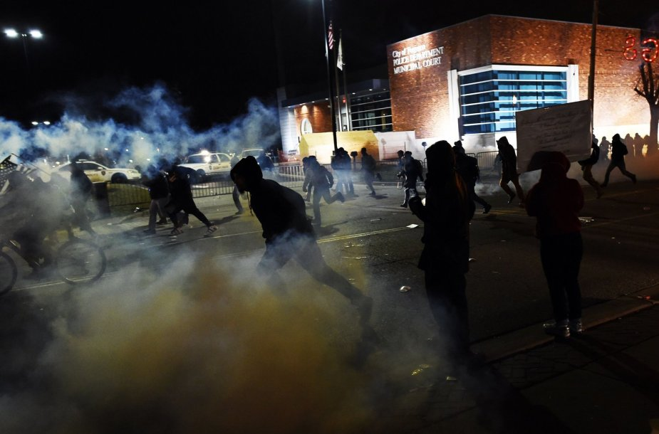 Protestuotojai Fergusone