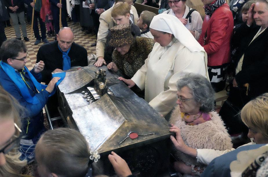 Palaimintojo Teofiliaus Matulionio palaikai grąžinami į Kaišiadorių katedrą